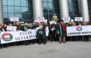 Eskişehir'de Avukatlar Yürüdü