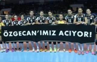 Fenerbahçe Grundig-Vakıfbank:2-3