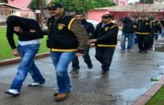 Güven Partisi'ne 48'inci Kumar Baskını
