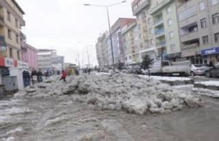 Hakkari'de Kar Temizleme Çalışması