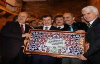 Davutoğlu'na Özel Çini Pano