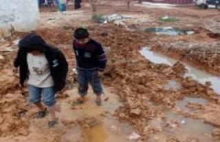 Suriyeli Çocuklar Soğuk Havanın Pençesinde