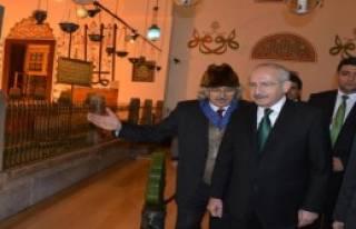 'Mevlana Sadece Konya'da Anılmalı'
