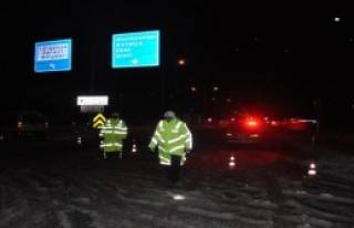 Kütahya- Afyonkarahisar Karayolu Trafiğe Kapandı