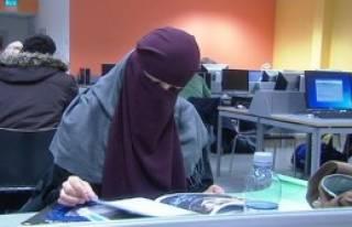 Oslo'da Burka Yasaklandı