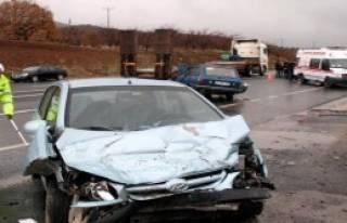 Otomobiller Çarpıştı, 12 Yaşındaki Mehmet Öldü