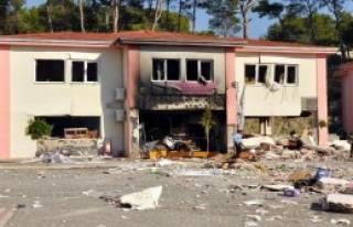 Patlamayla Okul Harabeye Döndü: 1 Yaralı