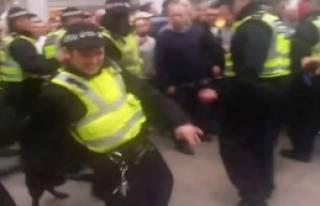 Polis Köpeği Polisi Isırdı