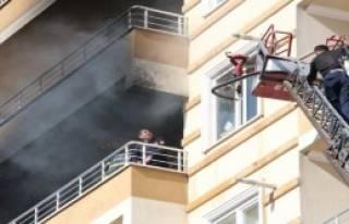 10 Katlı Binada Yangın Paniği
