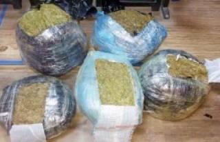 Şanlıurfa'da 65 Kilo Esrara 4 Gözaltı