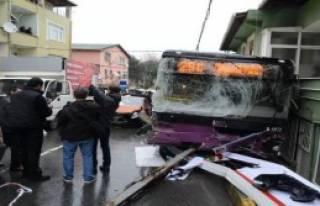 Otobüs Dehşeti: 2 Ölü, 8 Yaralı