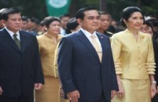 Tayland Kralı Ameliyat Oldu
