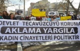 Yüksekova'da Kadınlar Özgecan İçin Yürüdü