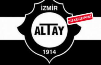 Altay zirvede takıldı