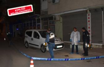 İzmir'de sokak ortasında silahlı saldırı
