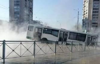 Rusya'da sıcak su hattı patladı!