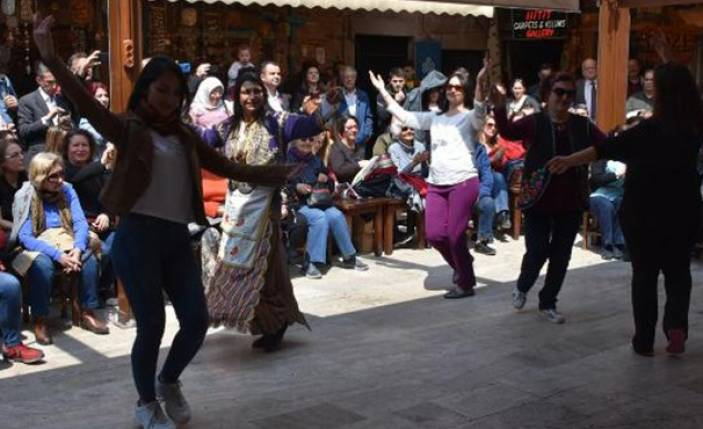 Kızlarağası Hanı'nda kültür buluşması