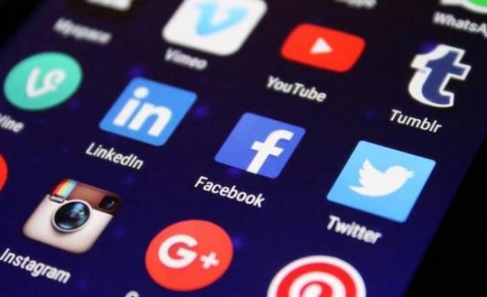 Facebook eleman bulmakta zorlanıyor