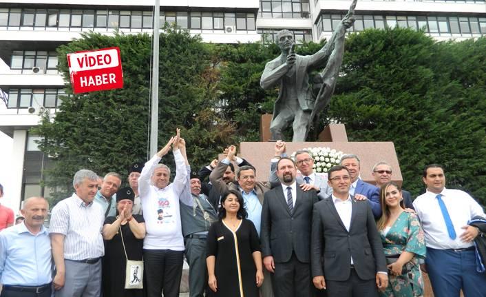 CHP Konak Hasan Tahsin'i andı