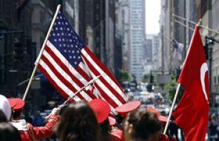 New York Sokakları Kırmızı Beyaz Olacak