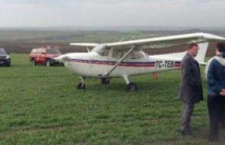 Eğitim Uçağı Acil İniş Yaptı
