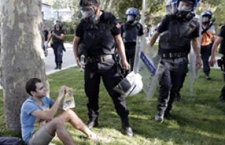 Gezi Parkı Yeniden Kapatıldı!