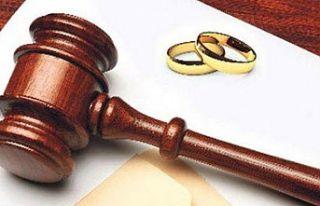 Boşanmış anne soyadını çocuğa verebilir