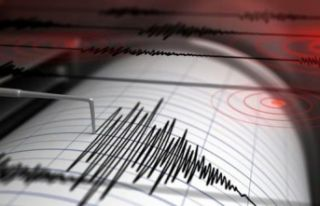 Çeşme'de korkutan deprem