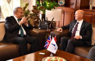 İngiliz Büyükelçi'den İzmir'e övgü:...
