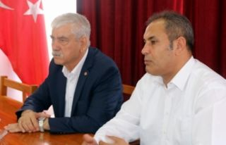 Kani Beko'ya Türk-İş'ten destek!