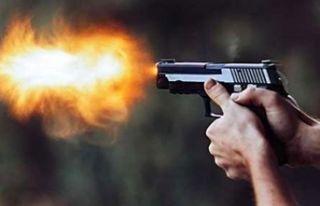 Kemalpaşa'da tabancalı dehşet: 1 ölü, 3...