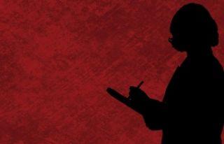 Konya'da kadın öğretmen, öğrencisine çıplak...