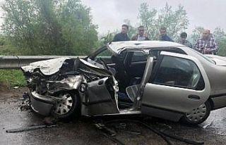 Otomobil ile beton mikseri çarpıştı: 5 yaralı