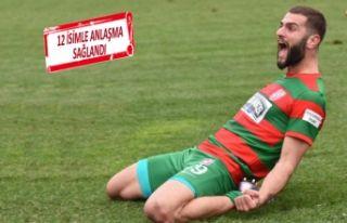 24 yaşındaki golcü, Karşıyaka forması giymeye...