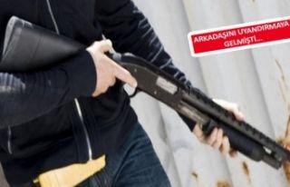 İzmir'de genç pompalıyla terör estirdi