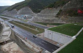 İzmir-İstanbul Otoyolu'nun o kısımı trafiğe...