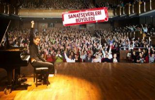 Rekortmen piyanist, İzmir'den rüzgar gibi geçti