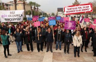 Urlalı kadınlar'dan şiddete karşı yürüyüş