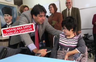 Foça Belediye Başkanı Demirağ: Engeller dayanışma...