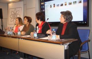 İzmir'de, kadınlardan 'seçilme'...