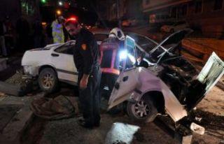 Ankara'da feci kaza: 50 metreden uçtu!