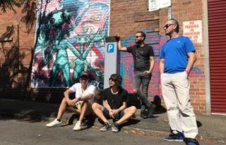 maNga Avustralya sokaklarında