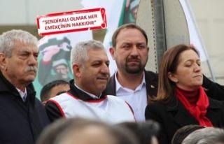 Gümrükçü'den TARİŞ işçilerine destek!