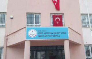İzmir'de öğrenci yakınları öğretmeni darp...