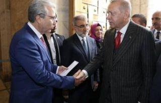 Ege Üniversitesi Rektörü'nden Ankara çıkarması