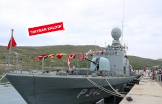 Foça'da tatbikata katılan askeri gemilere ziyaret