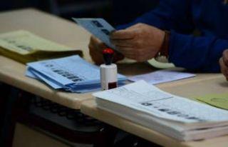 Üsküdar'daki bazı zarflarda 'Milletvekilleri...