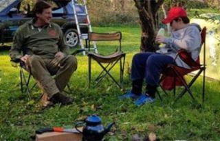 Kaya Çilingiroğlu ve oğlunun kamp hayatı
