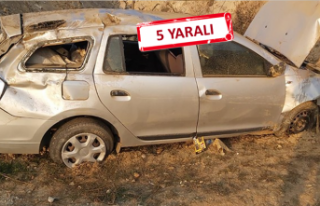 İzmir'de otomobil şarampole yuvarlandı