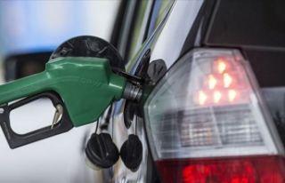 Araç sahiplerine kötü haber: Benzine zam yolda!